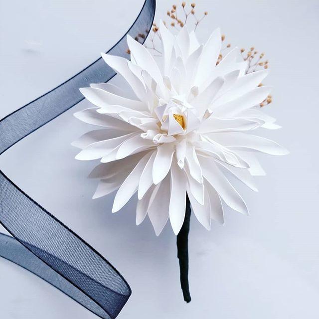 Boutonniere made from cardstock paper. . . #flowersbyellenoh #paperflowers #paperflorist #groom #officedecor #bouquet #centerpieces #wedding #bride #bridesmaid #cricut #etsy #surebonder #sweet16 #anniversarygift #paperart #rosebouquet #weddingflowers #in…  https:// ift.tt/2Ojx1pR  &nbsp;  <br>http://pic.twitter.com/fdjEPdsWe5