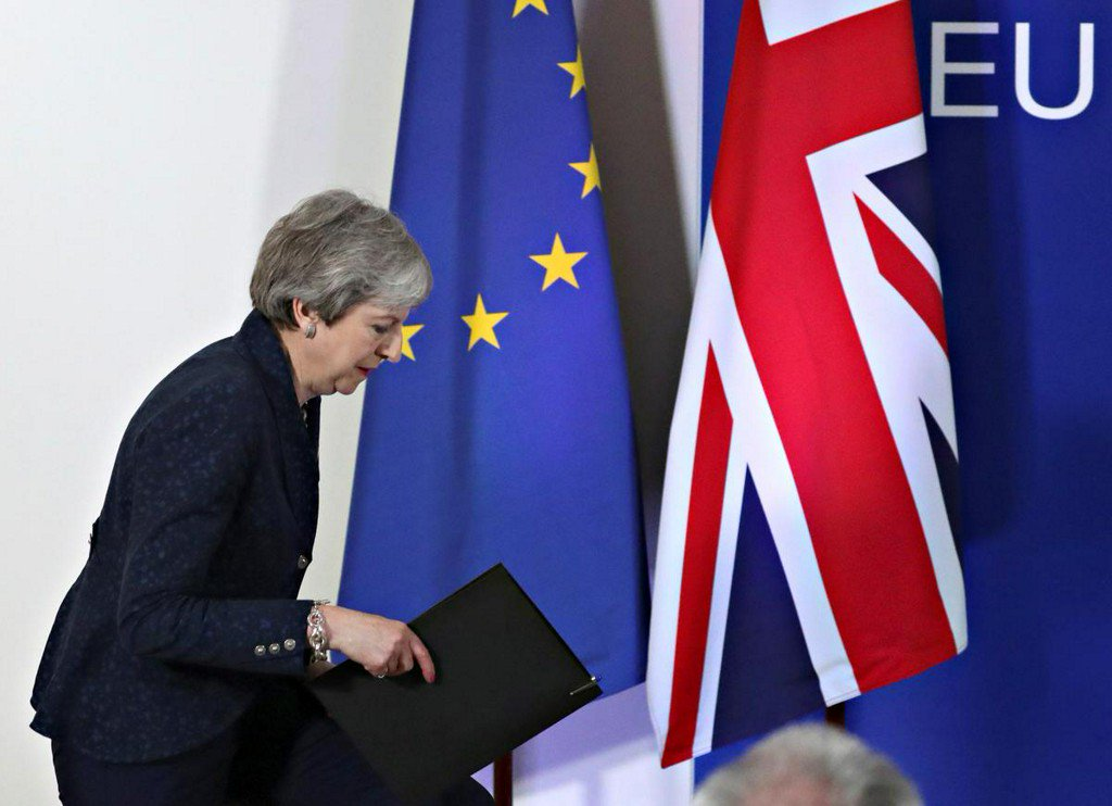 May welcomes Brexit delay, says parliament now has clear choice https://reut.rs/2U3PETQ