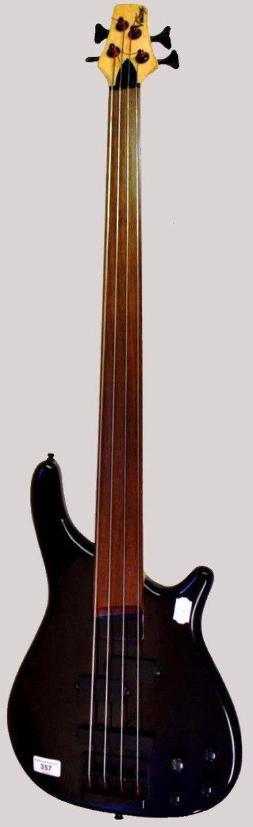 john Horny skewes JHS vintage bass guitar fretless ukulele corner