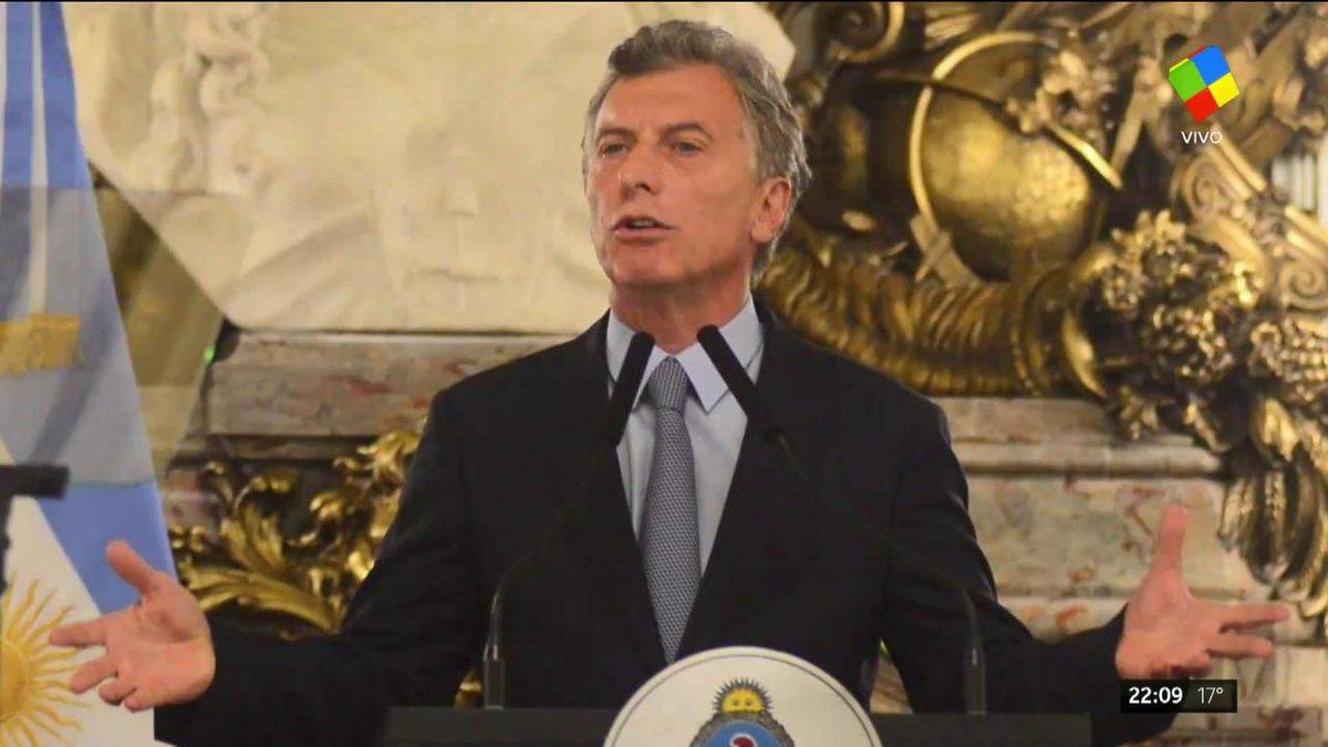 América TV 📺's photo on #juevesIntratable