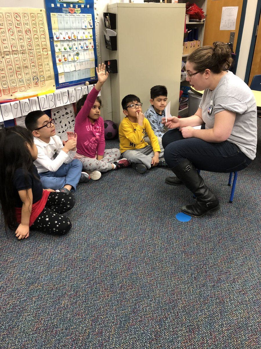 Barrett welcomes Elyssa from AmeriCorps. Thanks for volunteering! <a target='_blank' href='http://search.twitter.com/search?q=kwbpride'><a target='_blank' href='https://twitter.com/hashtag/kwbpride?src=hash'>#kwbpride</a></a> <a target='_blank' href='https://t.co/e59Ld3EyhR'>https://t.co/e59Ld3EyhR</a>