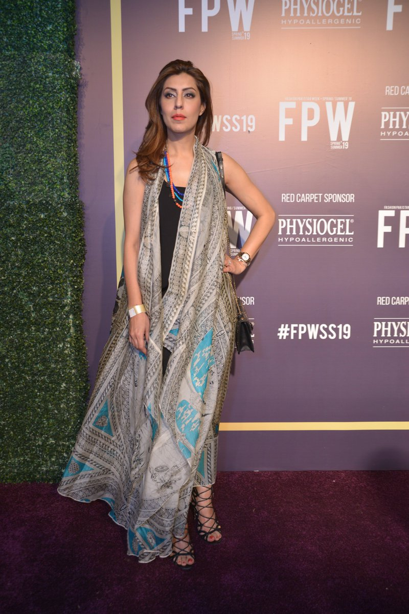 #FlashbackFriday @humaamirshah  at the red carpet of #FPWSS19 Day 3.