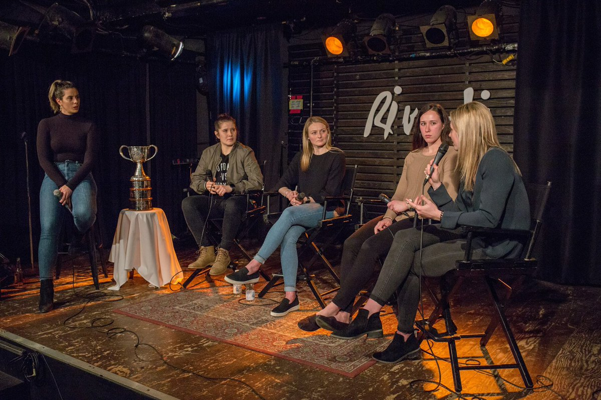 Nothing but good times at the Women&#39;s Hockey Show @PuckTalksLive!   More photos to come...  #HockeyTwitter  #womenshockey #cwhl #ClarksonCup<br>http://pic.twitter.com/wiMLLJA0we