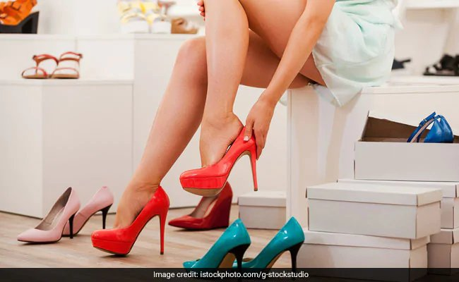 Japan women revolt against high heels at workplace with #KuToo movement https://www.ndtv.com/world-news/japan-women-revolt-against-high-heels-at-workplace-with-kutoo-movement-2011106 …