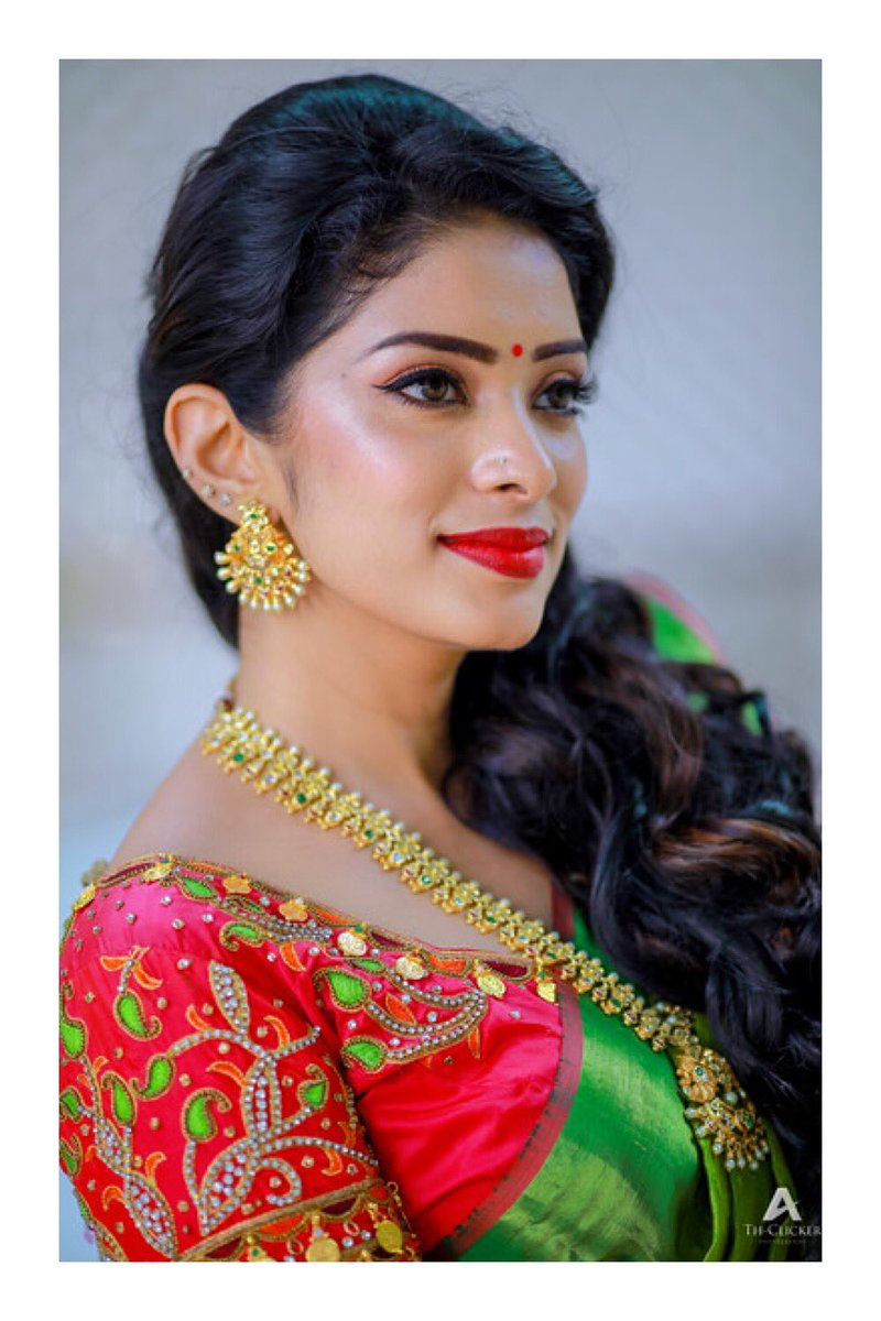 Throwback to one awesome shoot   SOUTH INDIAN GIRL  my love for sarees  #diyakarthik #krazykanmani #diyavj #lovemylife #stayhappy #stayblessed #positivevibes #hugsandkisses  <br>http://pic.twitter.com/h0xXekWc2Z