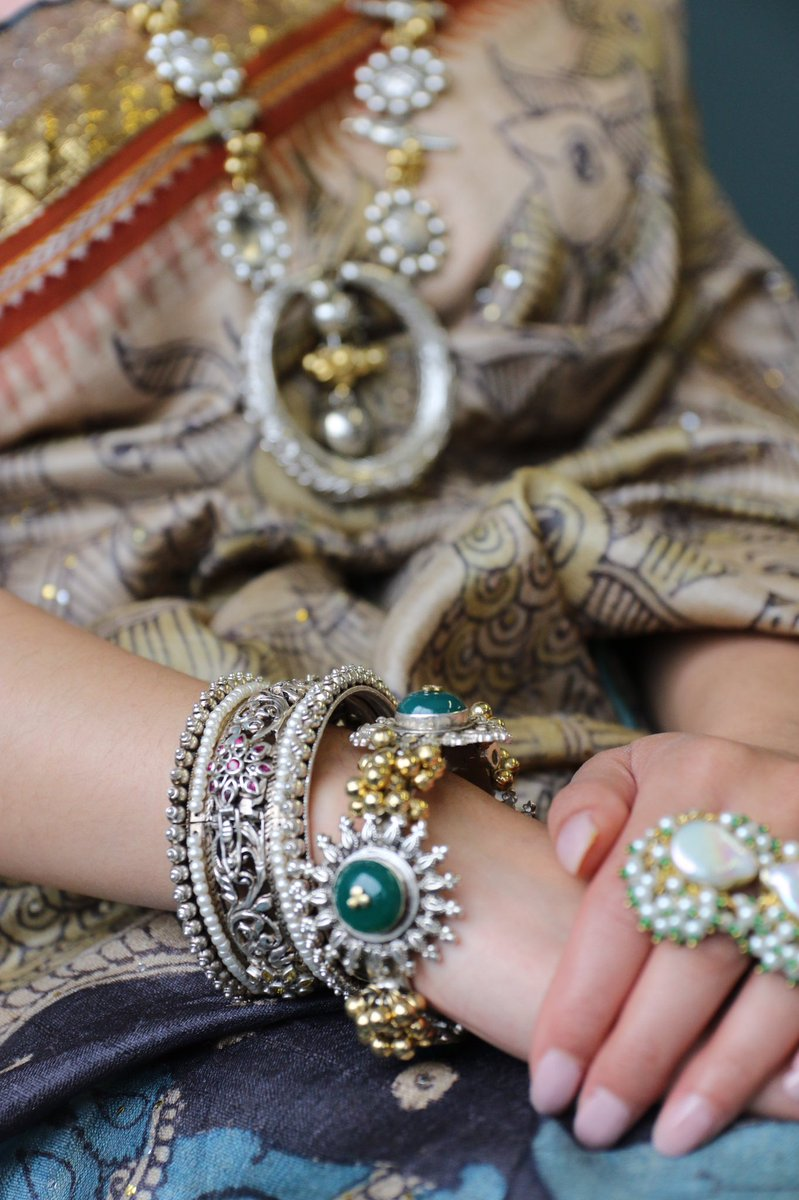 Handcrafted Jewellery made with lots of love by #ayushkejriwal pic.twitter.com/uzuGG2tQXD