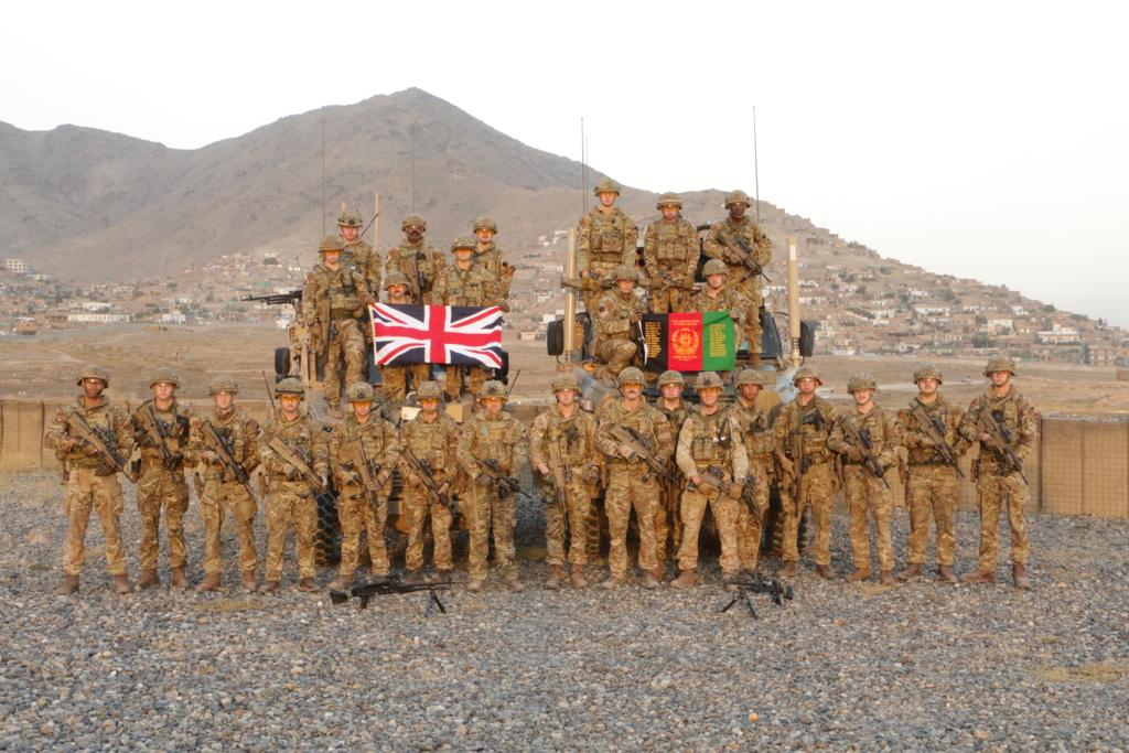 Today, 1st Battalion Grenadier Guards 💂 are being presented with medals at #WindsorCastle to commend their highly successful tours of Iraq 🇮🇶, Afghanistan 🇦🇫 and South Sudan 🇸🇸. The medals will be presented by HRH Prince Andrew, Duke of York @RoyalFamily @DefenceOps