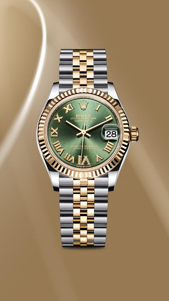 The new #Datejust 31 in a yellow Rolesor version has an olive green, sunray-finish dial. Featuring Roman numerals, the VI is set with 11 diamonds. #Rolex #Baselworld2019 More https://t.co/qfWqbTiKfS https://t.co/LGFthrfmls