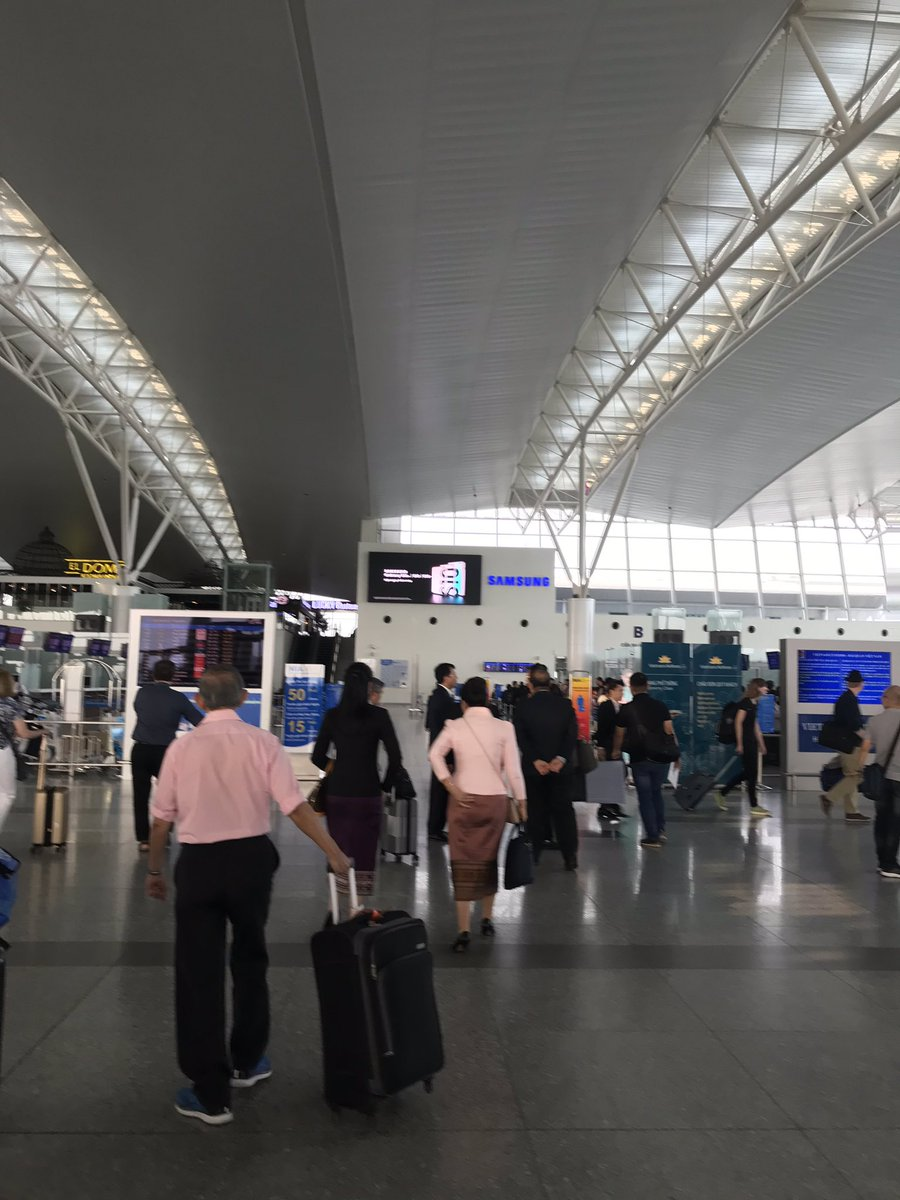 空港到着😆👍