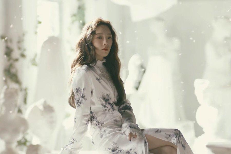 WATCH: #GirlsGeneration's #Taeyeon Stuns In MV For 'Four Seasons' https://t.co/2ui6XSm6bg https://t.co/bPS5rK1IIX