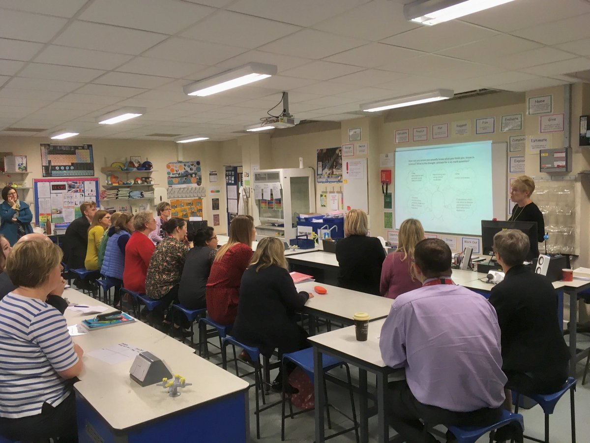 It must be Friday! Here's a glimpse into our weekly 'Teaching & Learning Briefings', in which colleagues share how they're implementing guidance from the @EducEndowFoundn. All so that pupils benefit from research informed teaching. #metacognition #lshsexcellence