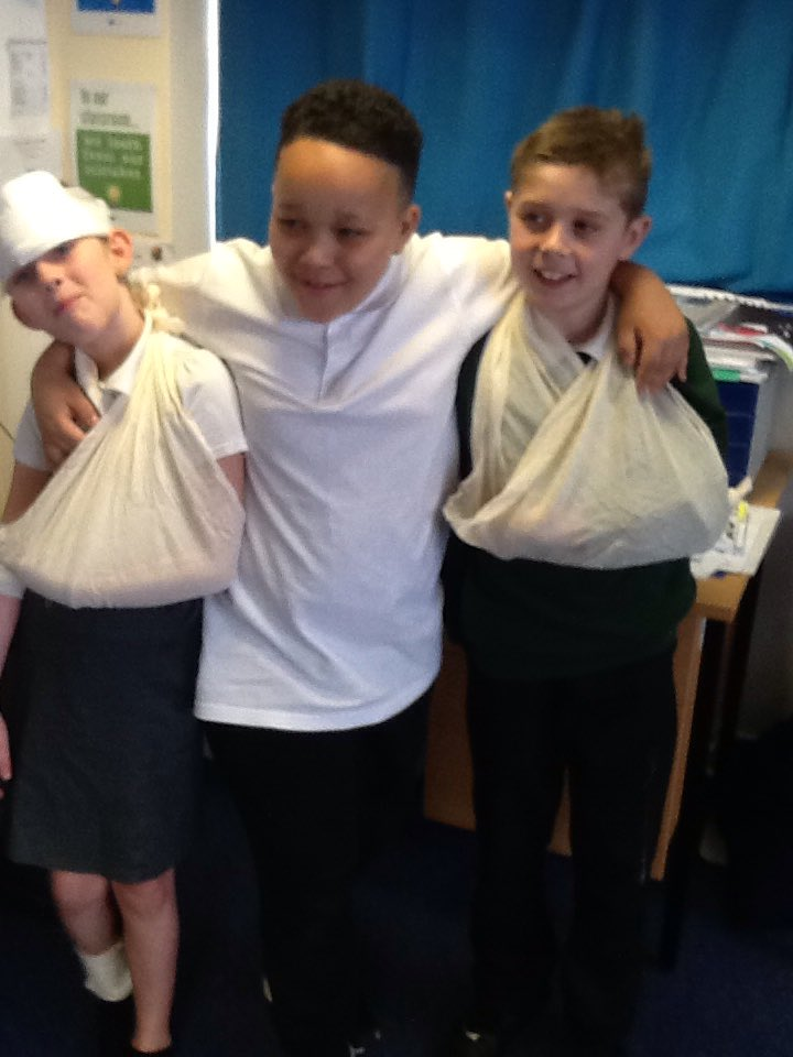 First Aid training with Cherhill and Savernake in skills force yesterday. Children were learning how to bandage arms, legs and heads. Jo discussed which numbers they need to ring in an emergency-They all role played calling 999. Fantastic engagement throughout. 🚑🏥⛑🤕