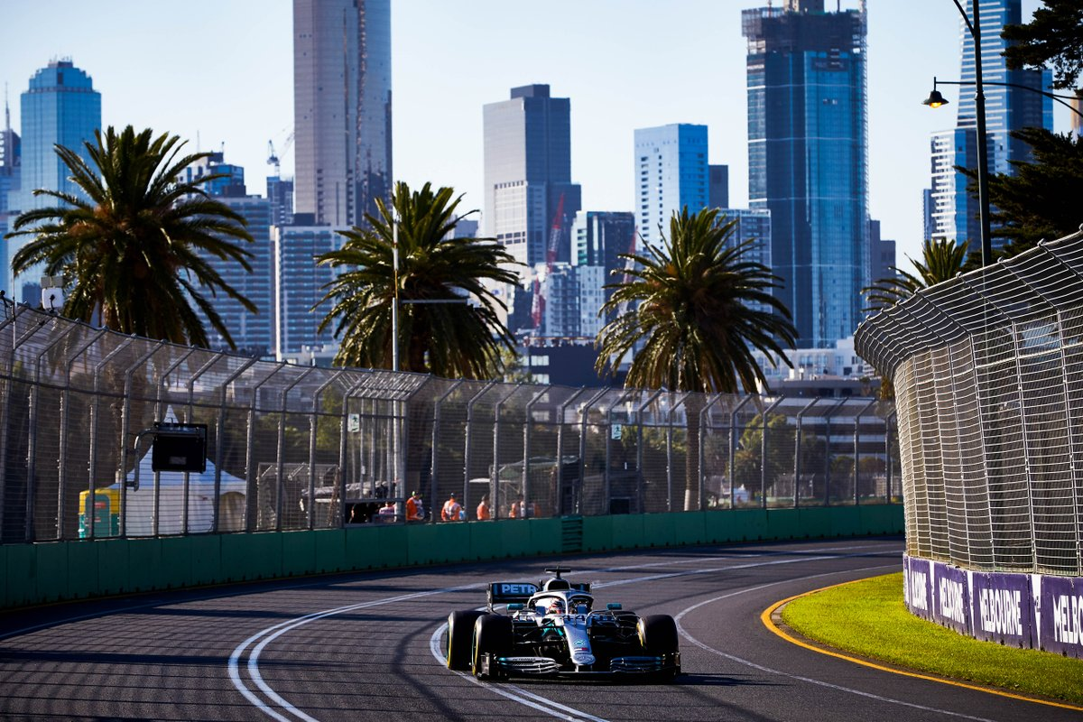 RT @MercedesAMGF1: Marvellous Melbourne 😍😍  What's your dream @F1 race location? #FanFriday https://t.co/g7NbpG559s