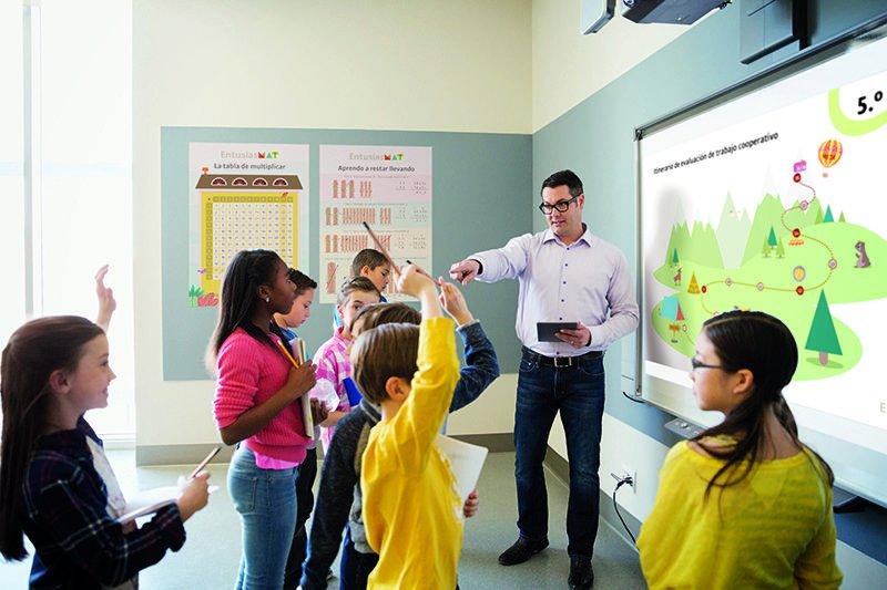 .@Tekmaneducation acaba de lanzar #EMAT: un programa que transforma la manera de enseñar y aprender #Matemáticas para fomentar las competencias del futuro. #Innovacióneducativa #Educación #Programación https://www.educaciontrespuntocero.com/noticias/fomentar-competencias-futuro-matematicas-tekman-emat/102123.html…