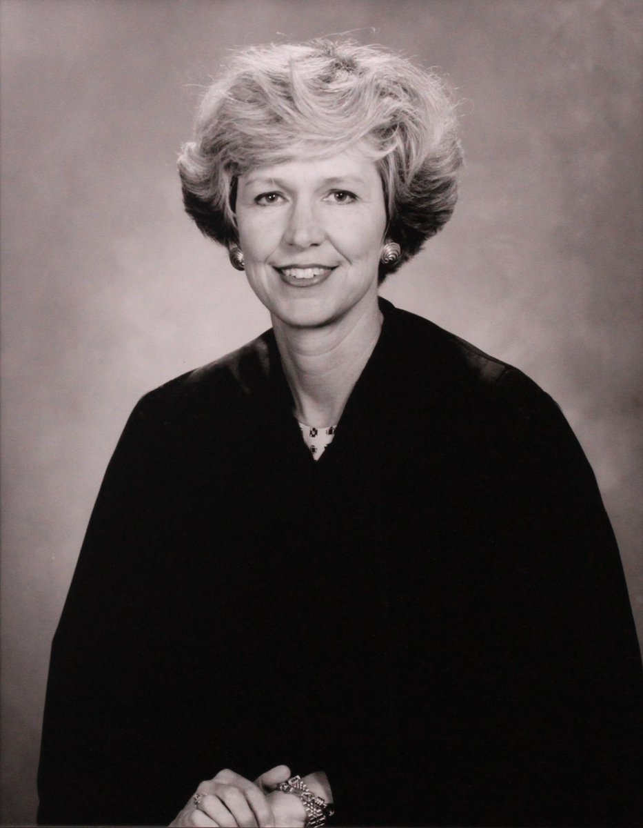 #FunFactFriday March is #WomensHistoryMonth  and we salute Judge Susan Bucklew, the first female judge in Hillsborough County, appointed as a County Judge in 1983 by Gov. Bob Graham. In 1986 he appointed her a Circuit Judge. 36 years later, we have 27 women judges, nearly 50%. <br>http://pic.twitter.com/AsrxTm5uyx
