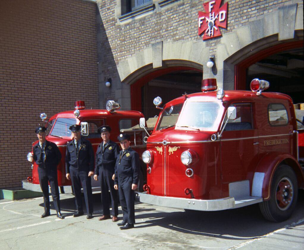 #FFD Happy Anniversary to the Fredericton Fire Department , formed 202 years ago today! <br>http://pic.twitter.com/lV2TIAAPvK &ndash; à Fredericton, New Brunswick