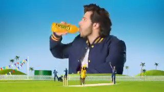 Har cricket match me chahiye kuch #FrootiMasti! Comment with #TeamAlia or #TeamVarun or #TeamFrooti.