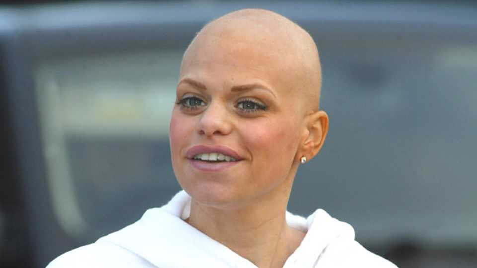 Today marks 10 years since a beautiful young woman lost her life to cervical cancer. I think it's extremely important to raise awareness today to stop others losing their life to this cruel disease 💙 #CervicalScreeningSavesLives #CervicalCancer #jadegoody