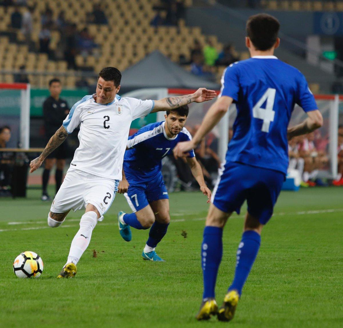 ⚽🌍 SELECCIONES | @diegogodin y @JoseMaGimenez13 jugaron 63 y 90 minutos, respectivamente, en la victoria de @Uruguay ante Uzbekistán (3-0) ➡ https://bit.ly/2TpTiTH #AúpaAtleti