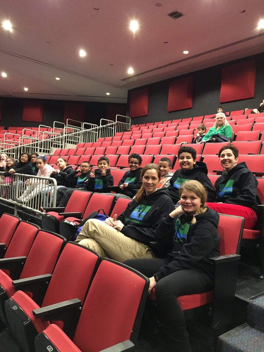 Oakridge YES Club at Hansel and Gretel Opera! <a target='_blank' href='http://search.twitter.com/search?q=apsisawesome'><a target='_blank' href='https://twitter.com/hashtag/apsisawesome?src=hash'>#apsisawesome</a></a> <a target='_blank' href='https://t.co/AJKaCqeKPP'>https://t.co/AJKaCqeKPP</a>
