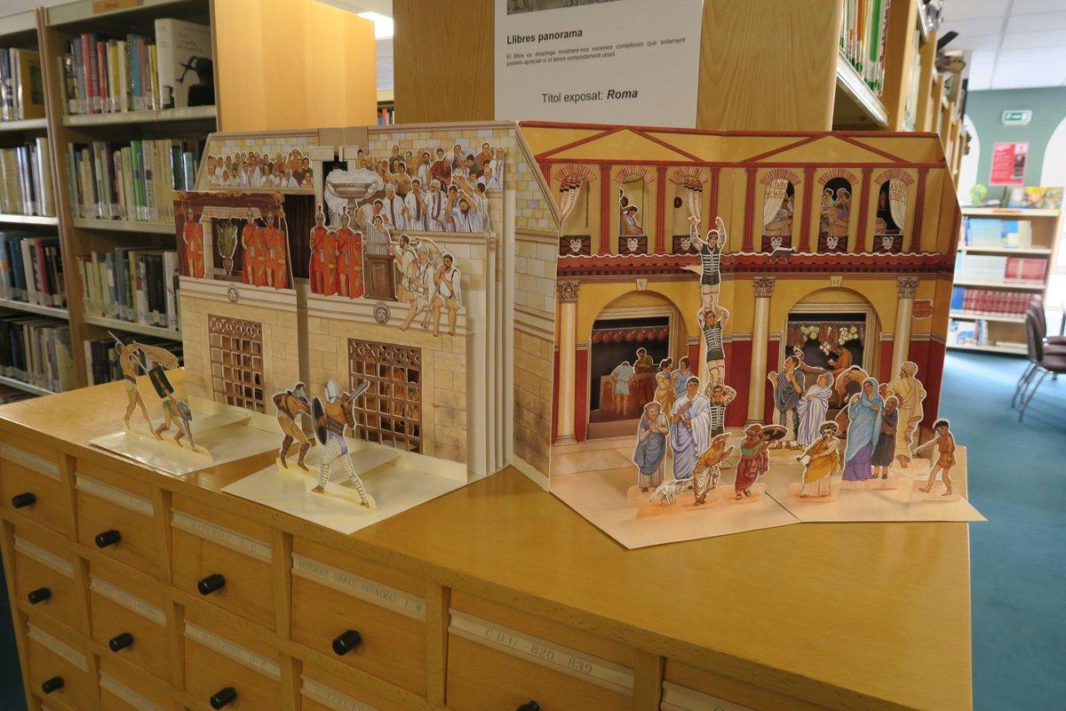 📚📖No te pierdas la exposición que la  Biblioteca Pública Municipal Joanot Martorell ofrece hasta el 30 marzo con una colección de libros desplegables. Se trata de una colección de 67 de libros con lengüetas, metamorfosis, troquelados y desplegables.