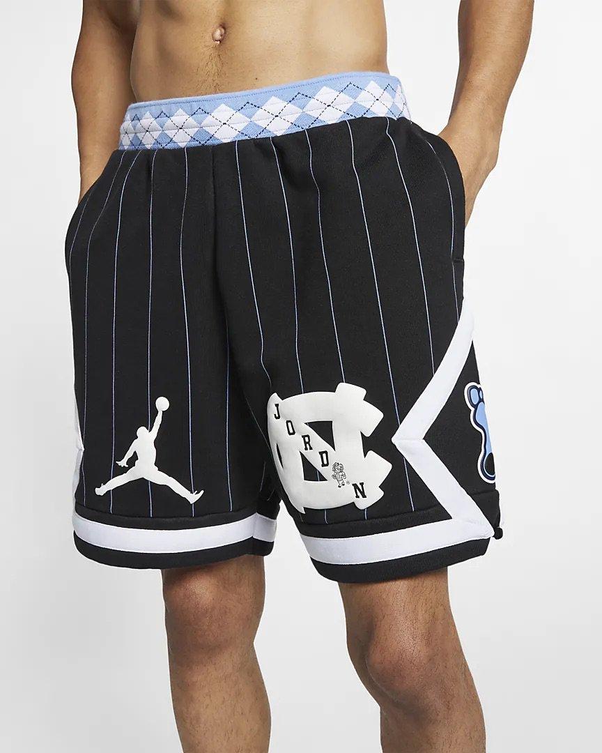 "8e901ce37947ce NEW Jordan ""UNC"" Fleece Shorts on  nikestore Link -   https   go.j23app.com bdr pic.twitter.com yRxke8nxv8"