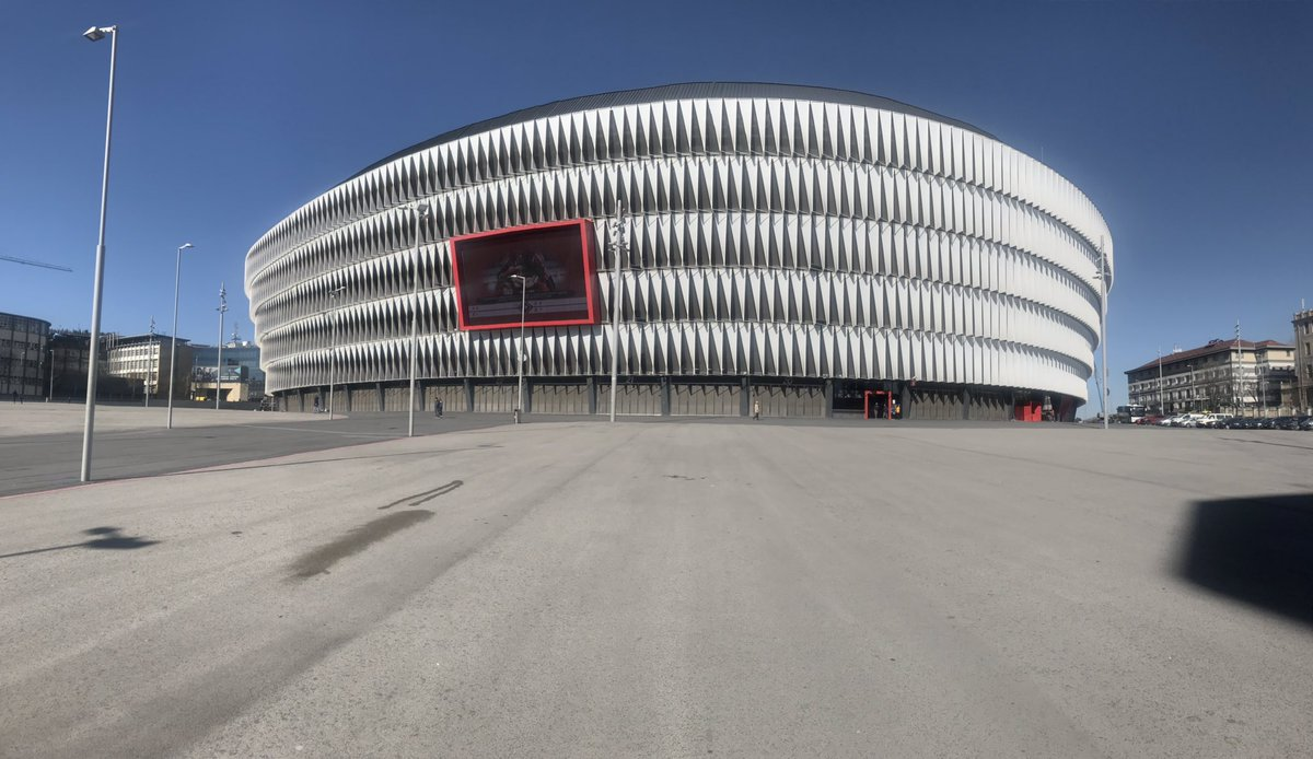 The new San Mamés in all its glory... massive and modern. Beautiful stadium.