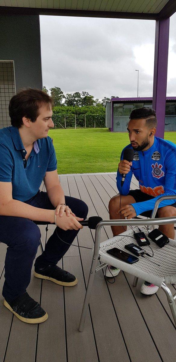 Com @capelareal, no CT do @Corinthians, Clayson fala ao vivo na @RBandeirantes.