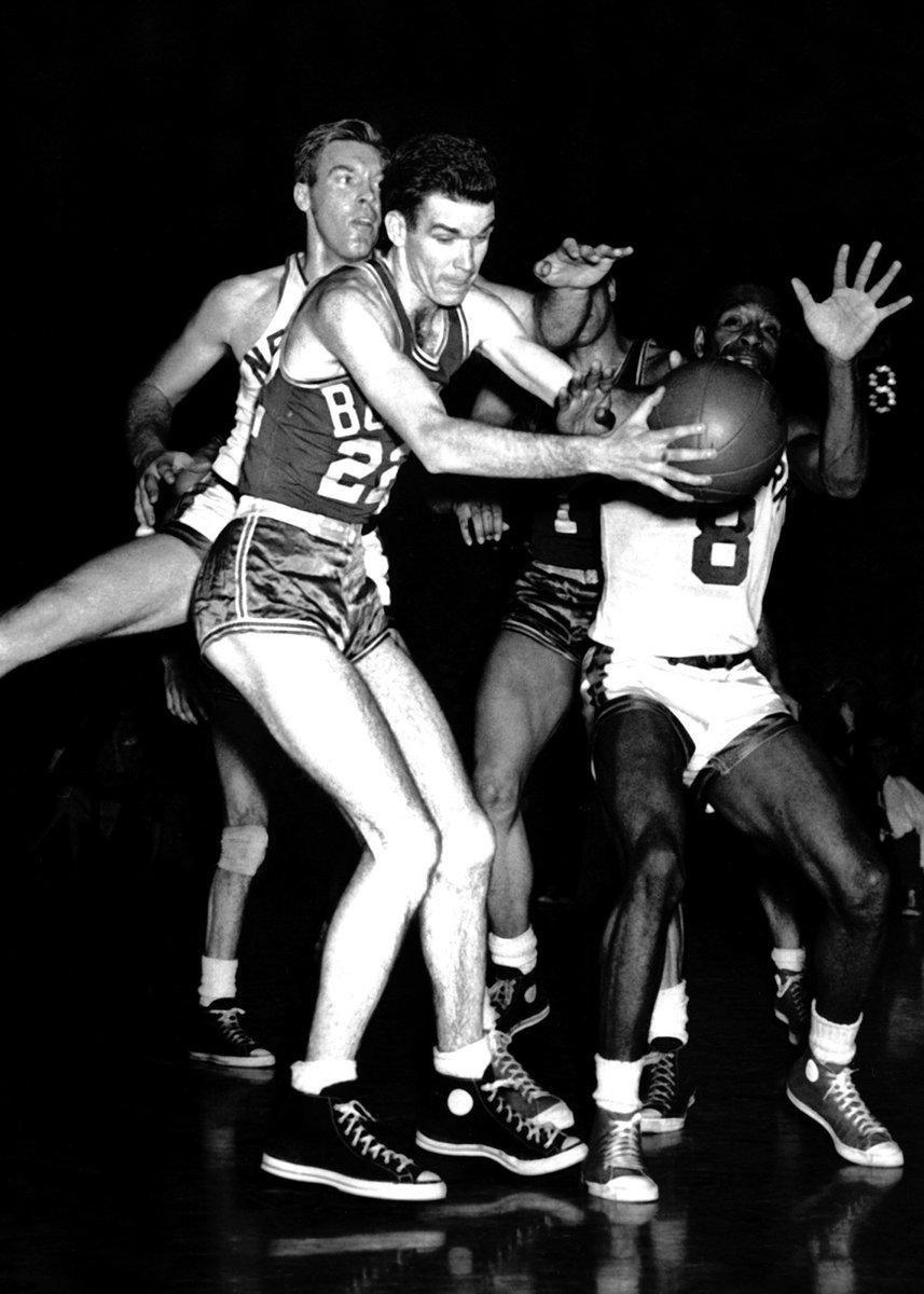 On his birthday, we remember 7x #NBAAllStar & '58 #NBA champion Ed Macauley (1928-2011).