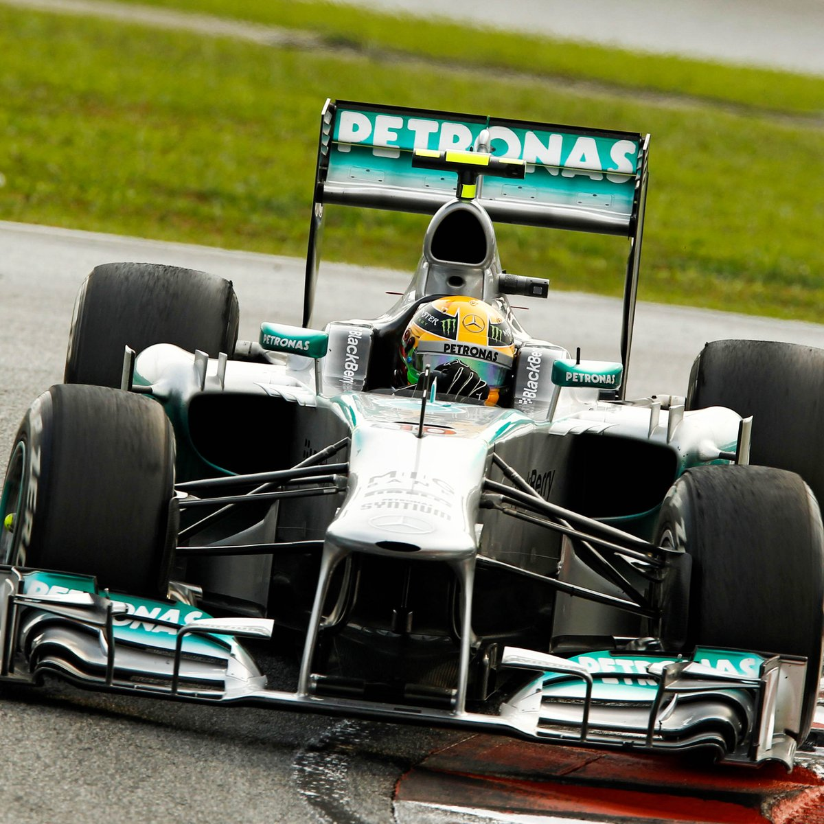 Mercedes-AMG F1 ( MercedesAMGF1)  eb1f71b73