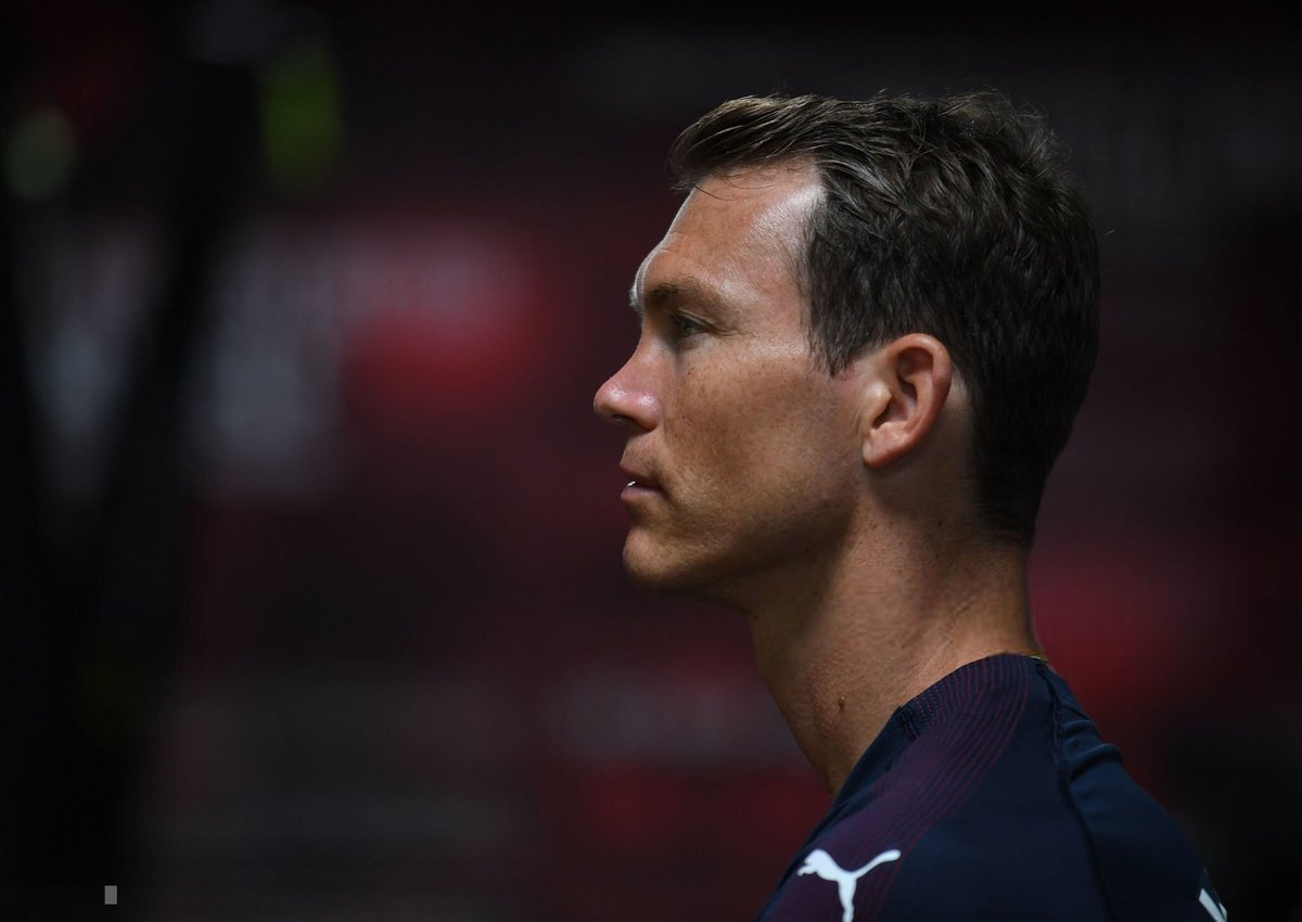Stephan Lichtsteiner will only sign a new deal at Arsenal if he is given guaranteed regular game time next season. [@JamesOlley] #AFC <br>http://pic.twitter.com/1CxjkmgybD