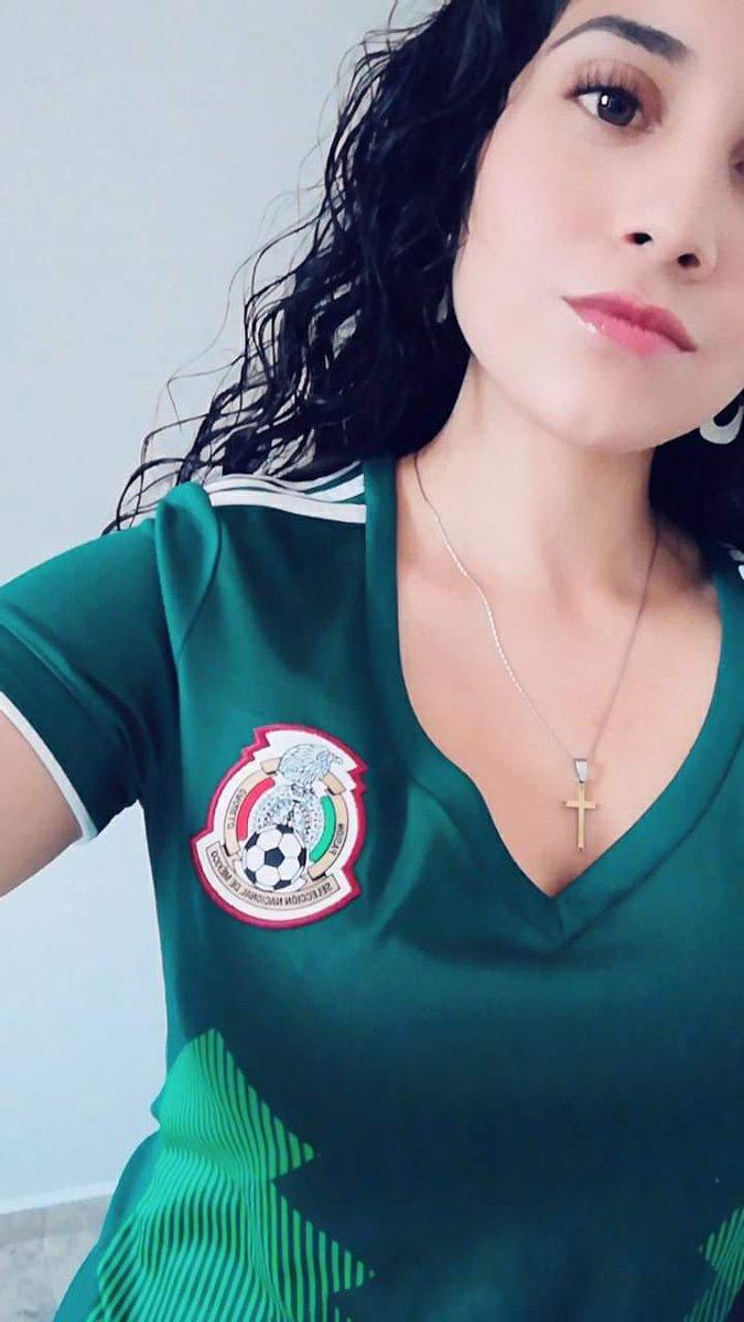 ⚽ Hoy de gala porque juega  🇲🇽 @miseleccionmx.   #PasiónyOrgullo #FMFporNuestroFútbol #DareToCreate