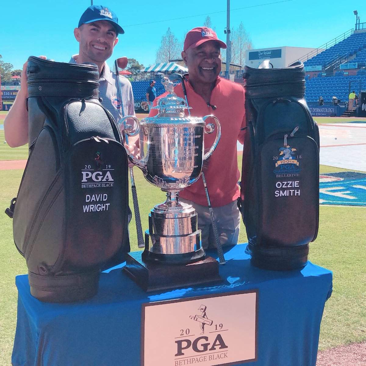 #DavidWright has been named the Honorary Ambassador for the 2019 @PGAChampionship. 2018 Ambassador Ozzie Smith passes him the torch. #PGAChamp <br>http://pic.twitter.com/nbuHVXU6U9