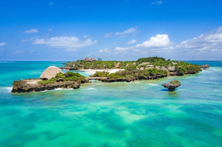 3 hours, a million miles away. Just a short hop from Nairobi lies a tropical island haven. - The Sands at Chale Island https://ift.tt/1twiJ4p #WhyILoveKenya #Beach #Islands #Africa