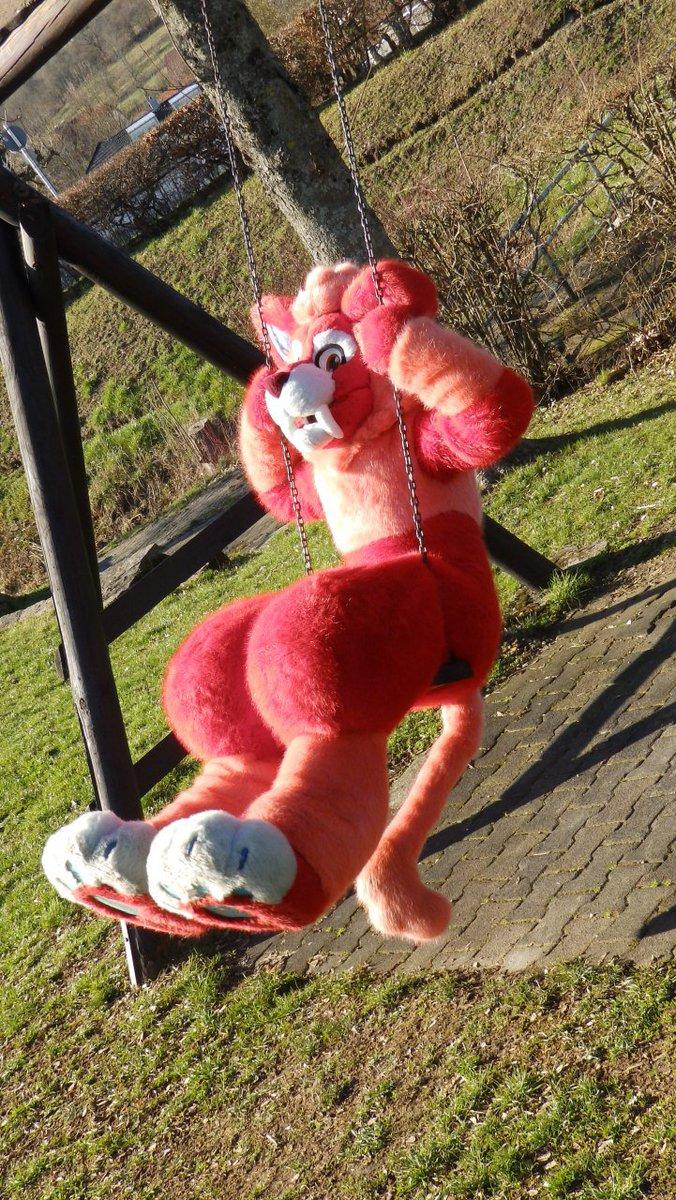 Happy #FursuitFriday!!! Beast on a swing :3 yeeeeeeeehhhh Wanna join me having some fun? #furry #furryfandom #fursuit #fursuitmaker #FurryFriday #catlovers #CatsOfTwitter<br>http://pic.twitter.com/BIpM7H1apT