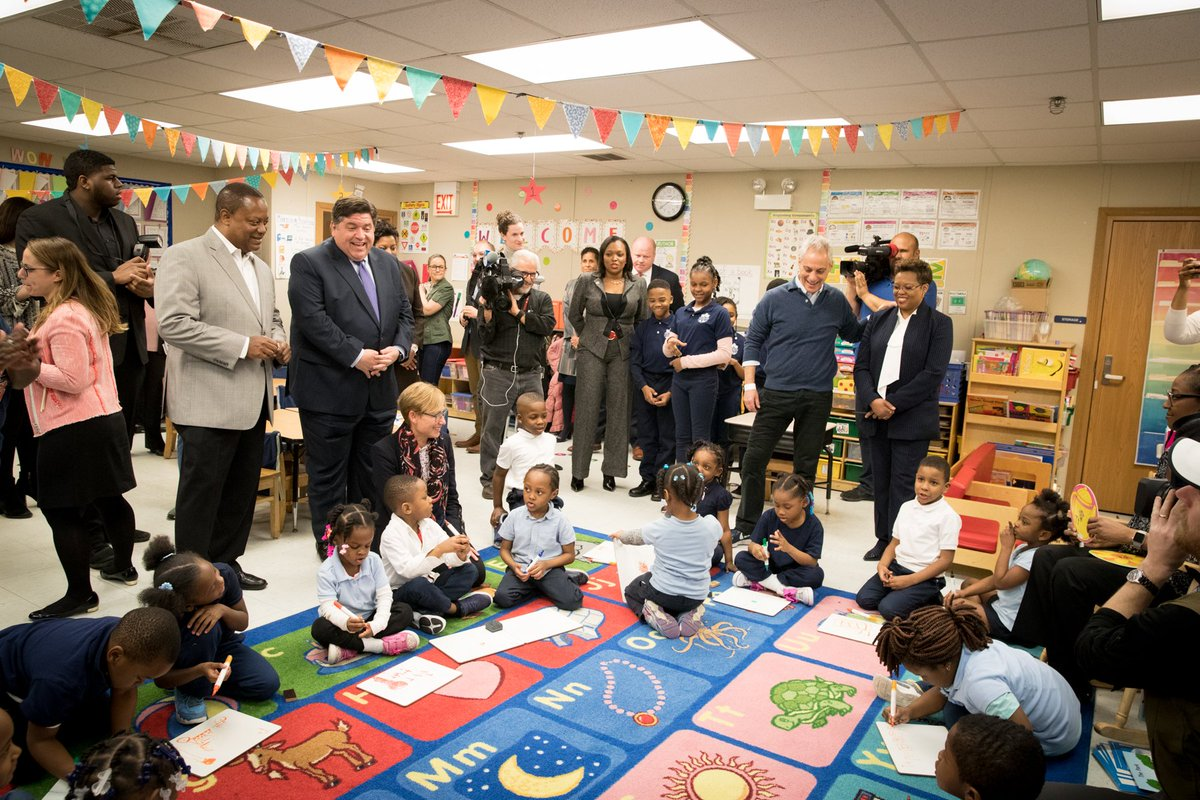 Just a short time ago, as a City, we did not even ensure our 5-year-olds had a full day of kindergarten. Today, every child in every school has a full day of kindergarten. Next year there will be 143 new full-day pre-k classrooms across 68 schools in Chicago. #PreK4Chicago 🖍️📚
