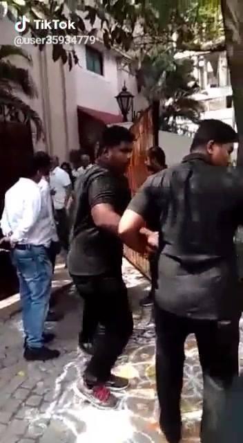 Latest Video Of Thala #Ajith with Shalini mam. | #AK59 #Thala59 http://dlvr.it/QyyVMW
