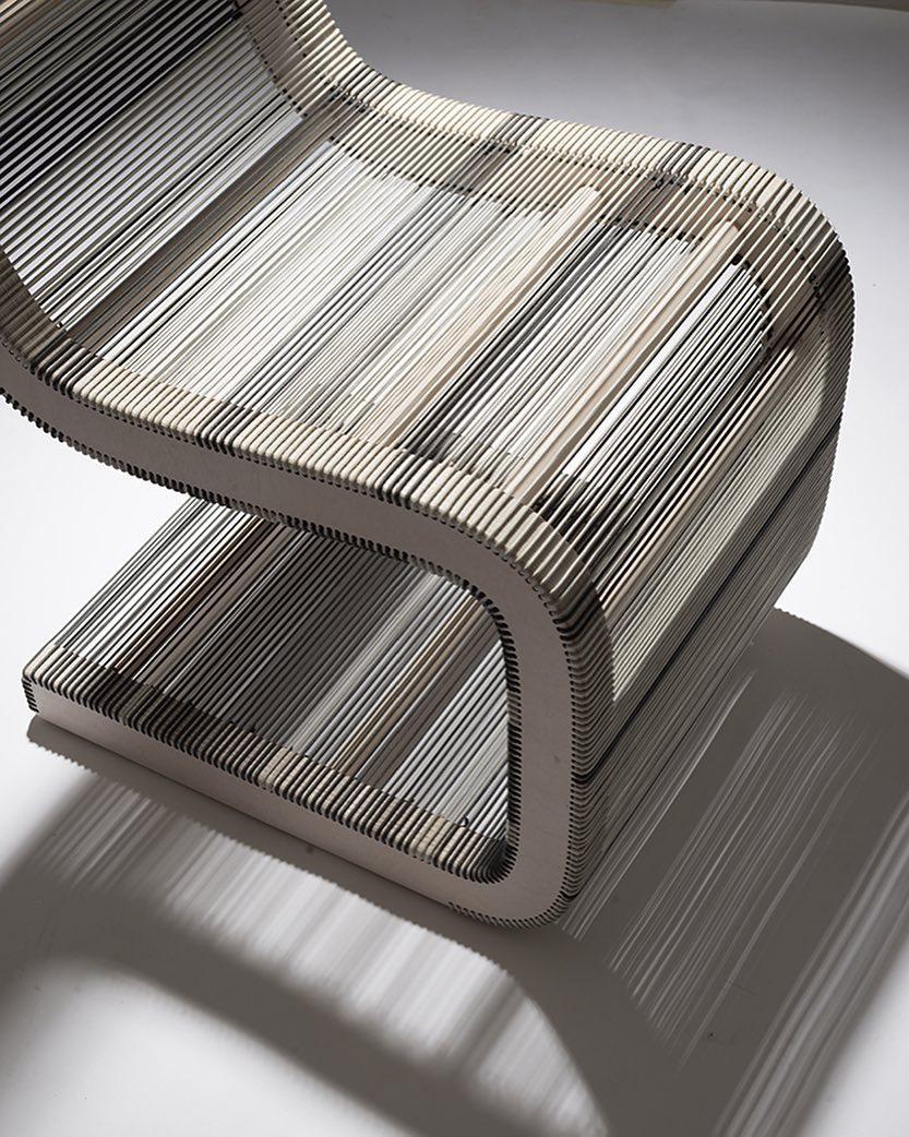 Modelo silla Piegatto.