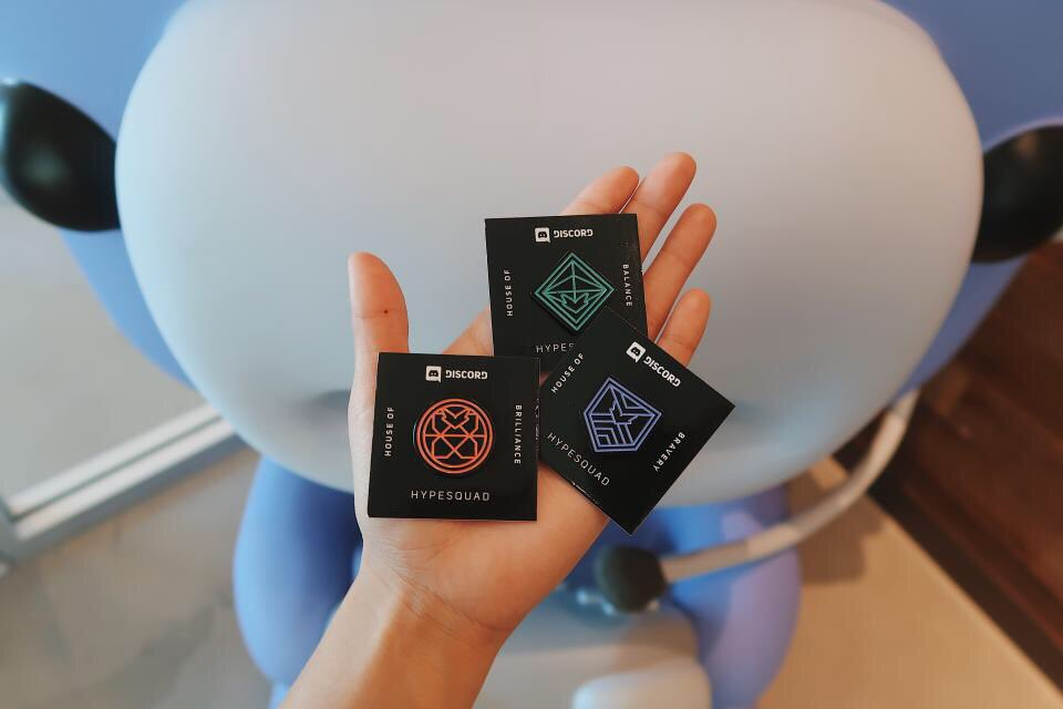 new pin alert  discord &gt; user settings &gt; hypesquad to join  plane &gt; hotel &gt; hearty breakfast &gt; enter pax east &gt; show us your profile to earn pin <br>http://pic.twitter.com/H7ROVm2uF0