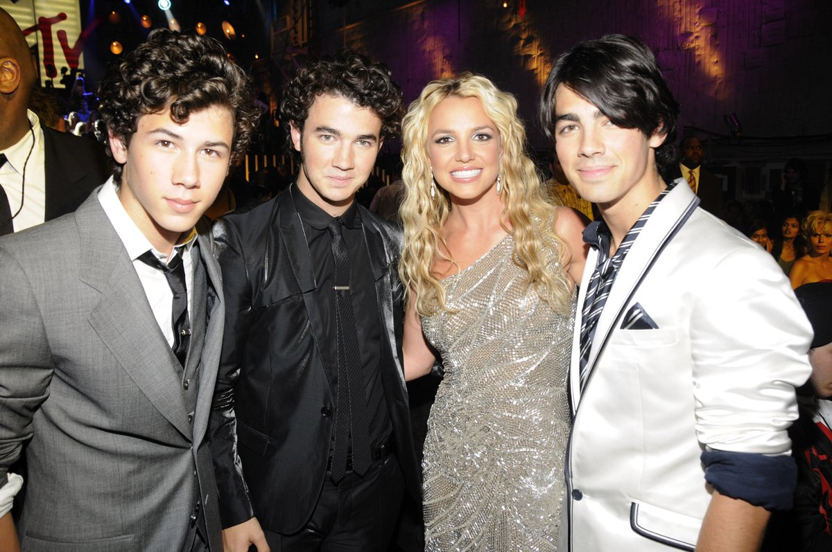 This is a @britneyspears and @jonasbrothers appreciation post.<br>http://pic.twitter.com/6Xks22Tp3m
