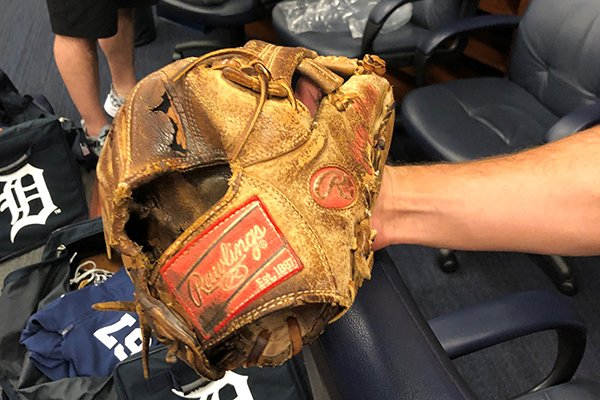 """""""I've had surgery on it a couple of times."""" -- Tigers' Jordy Mercer just can't quit his 10-year-old Rawlings mitt. From @cmccosky -- http://bit.ly/2YbF6kV"""