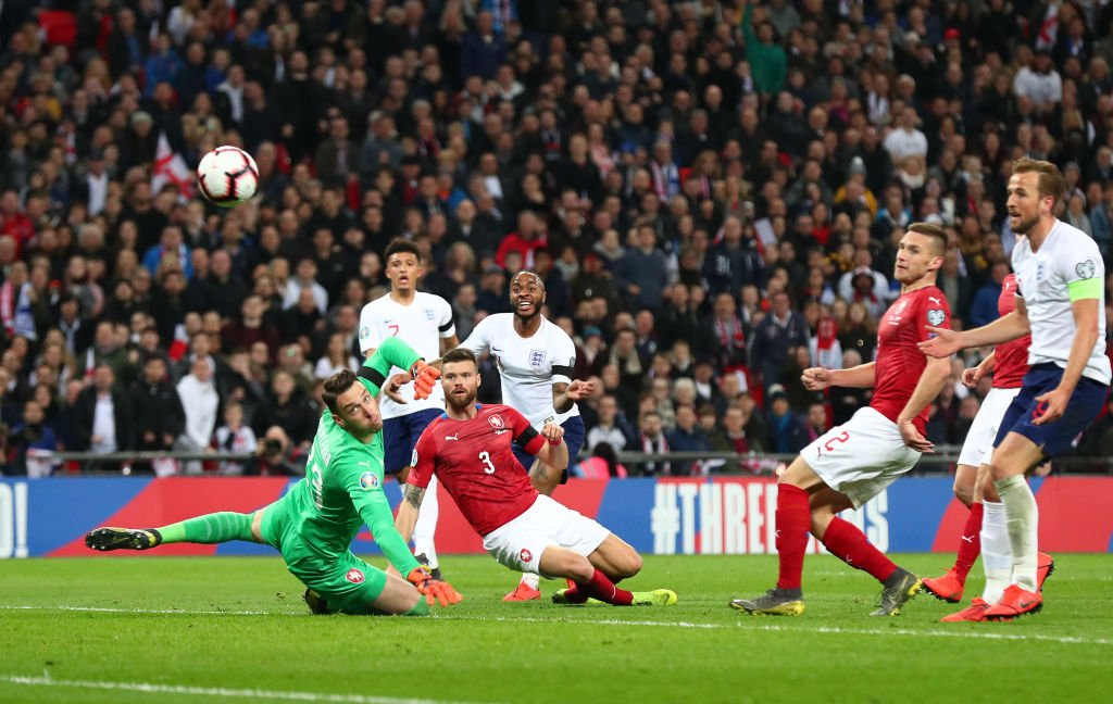 Raheem Sterling's last three games for England and Man City:  ⚽️⚽️⚽️vs. Czech Republic ⚽️🎯 vs. Schalke 04 ⚽️⚽️⚽️vs. Watford  #ENGCZE