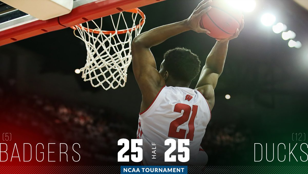 Upset Alert: No. 5 Wisconsin Tied With No. 12 Oregon At Halftime