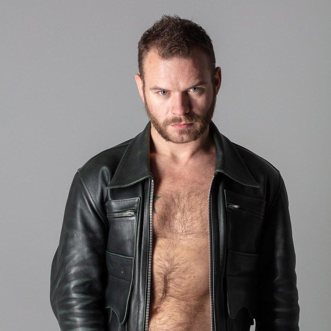 Resultado de imagem para leather jacket