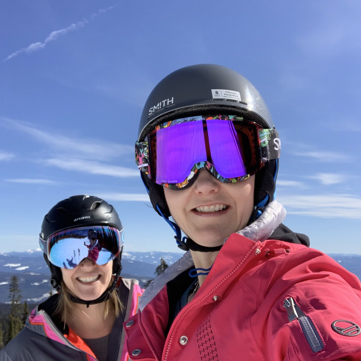 So today I needed to be away when sentencing came down. The past year has been so difficult for all the Broncos families but some closure for me. Miss you everyday Evan. #Thomas17Skiing to escape with my beautiful friend #skiing #silverstar #believe #healing<br>http://pic.twitter.com/iBXK4T2XSl