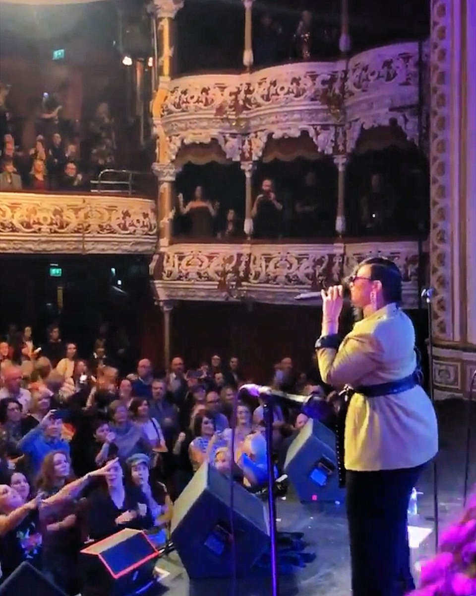 Gabrielle on stage at the Olympia  in DUBLIN tonight! 🎤 #Follow : @gabrielleuk  #Gabrielle #GabrielleUK #LiveMusic #NewAlbum #Dublin #Ireland #Music #Soul #RnB #Pop #Singer #Songwriter #Dreams #Vocalist #NewMusic #OutNow #UK #Tour #OnTour #Gig #UnderMySkin #NewMusicFriday