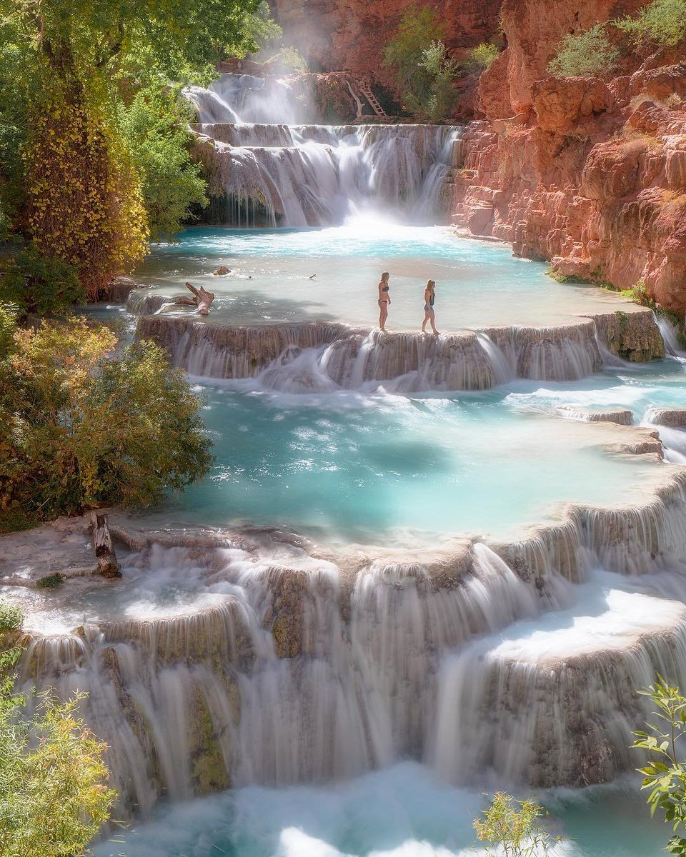 Paradise in a place you'd least expect it, in the Grand Canyon. When the sun crossed over the top of the canyon, Beaver falls lit up unlike any thing I've ever seen before with it's blues hues. . Follow  @geardoctors  and see the beauty of the world  Tag your adventures <br>http://pic.twitter.com/L3zCq4mYTE