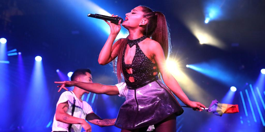 🎵 We wanted it. We (finally) got it. 🖤✨ Read about @ArianaGrande's stellar start to the highly anticipated #SweetenerTour!  📝» http://spr.ly/6015EZZ9t