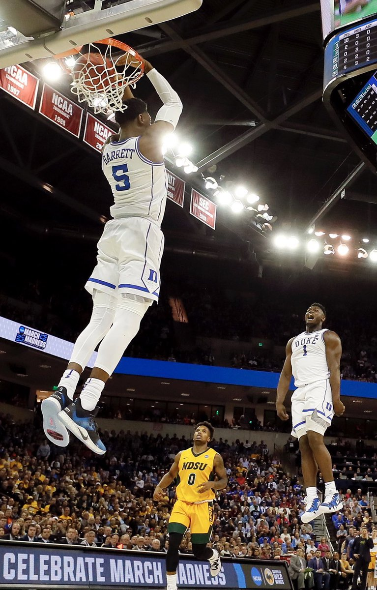 Incredible Photo Of R.J. Barrett, Zion Williamson During NCAA Tournament