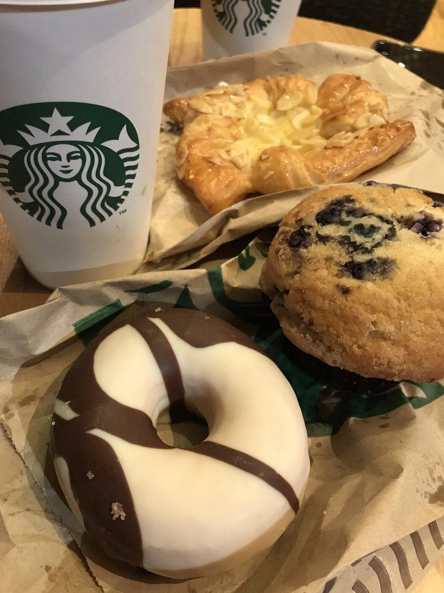 LIVE : @Starbucks at the Disney Village! Best way to start the day!😌👌🏼 #DLPLive #DLP #Disney #DisneylandParis